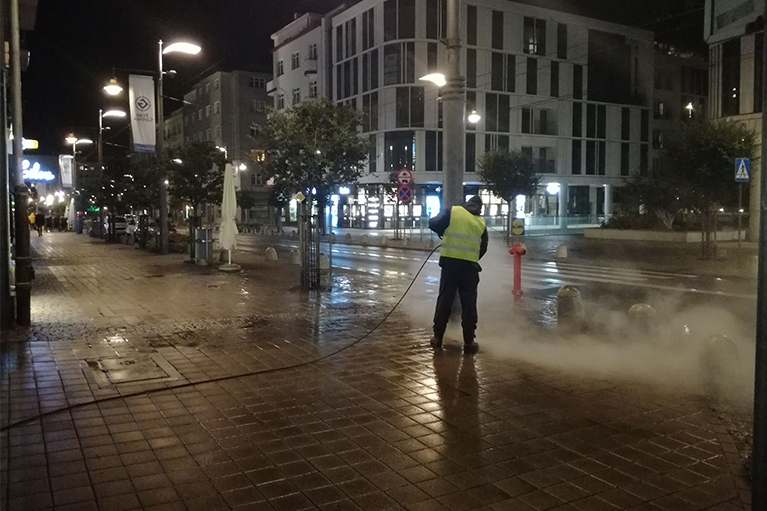 Czyszczenie chodników dla miasta Gdynia (5)