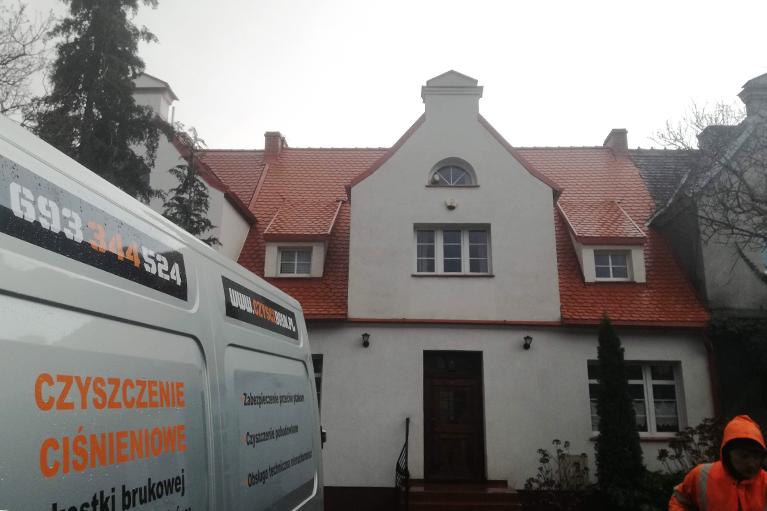 Gdańsk Czyszczenie dachu i elewacjidom szeregowy 1