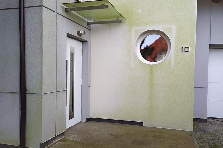 Kosakowo czyszczenie elewacji, usuwanie glonów (1)